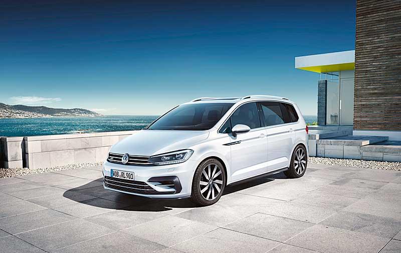 Volkswagen Touran 2015 családi autó