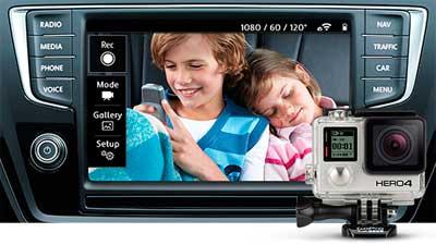 Volkswagen Touran 2015 családi autó GoPro megfigyelő kamera