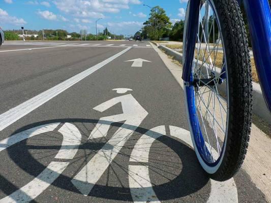 Fejér megye hat településén több mint 11 kilométernyi kerékpárút épült mintegy 1,1 milliárd forintból (illusztráció)