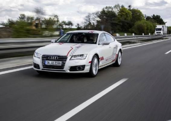 Az Audi ügyfelei az A9-es autópályán próbálhatják ki az önvezető autózást