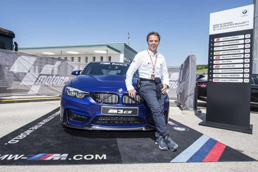 A MotoGP idei BMW M Különdíja egy BMW M۽ CS modell