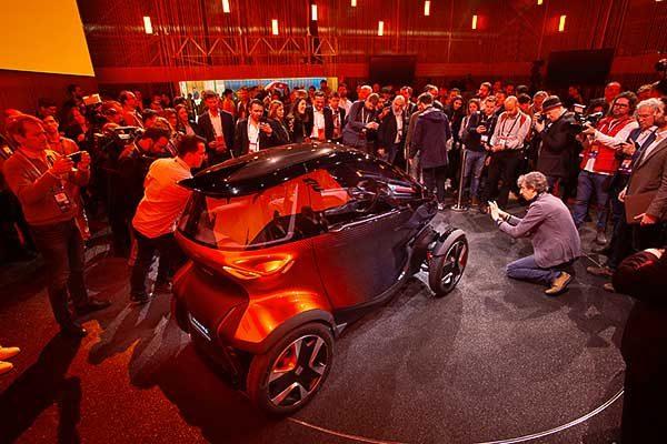 A Seat és az IBM a mesterséges intelligenciával (AI) forradalmasítja a települési mobilitást