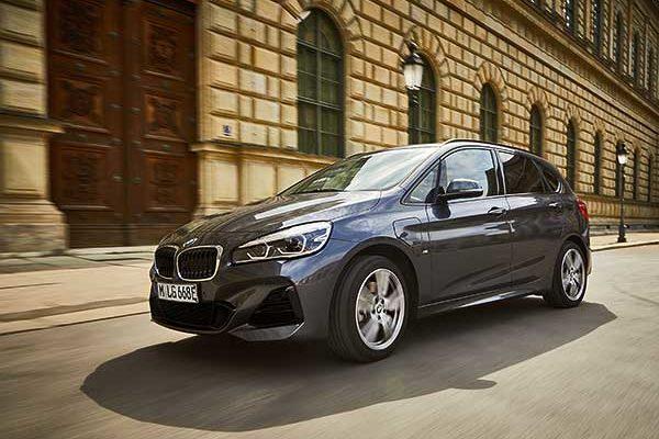 Praktikusabb és hatékonyabb, mint valaha: a modern BMW 225xe Active Tourer