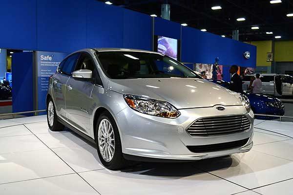 A Ford 2022-re egymillió elektromos gépjármű értékesítését tervezi Európában