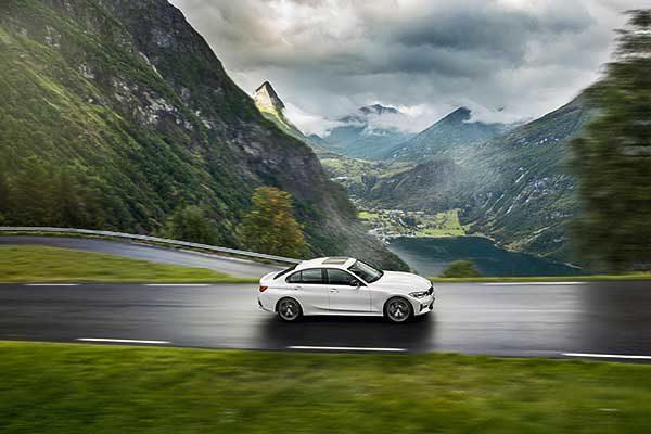 A BMW új modellváltozatokkal frissíti portfólióját 2020 tavaszán