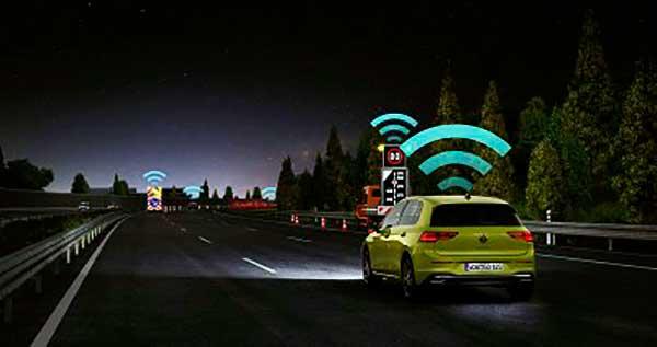Műszaki mérföldkő a közúti biztonság területén: a szakértők dicsérik a Volkswagen Car2X technológiáját