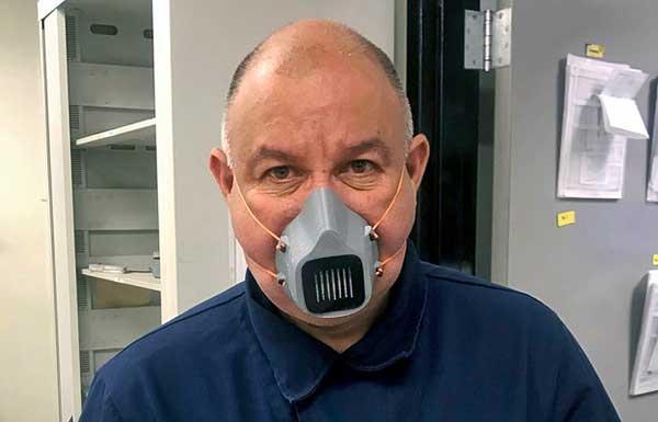 Koronavírus: A Volkswagen 3D-s nyomtatást használ arcvédő készítéséhez